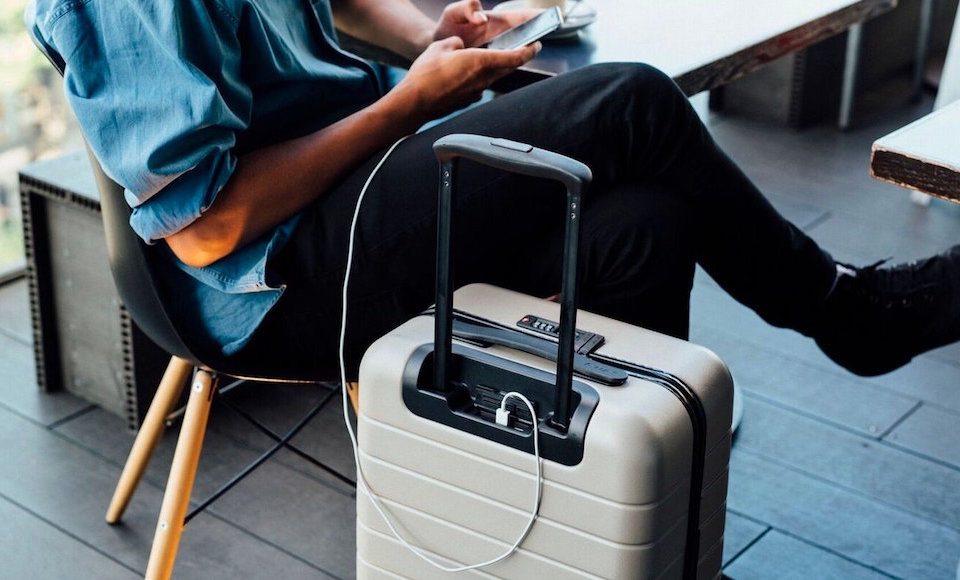 зарядка в чемодане