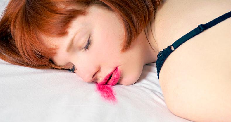 Ложитесь спать с макияжем