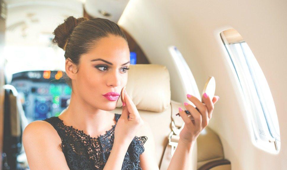 макияж во время перелета